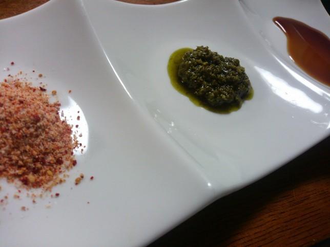 塩とバジルソースとポン酢