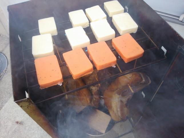 チーズをスモーク