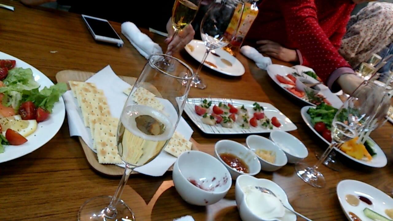 イベントの食卓風景