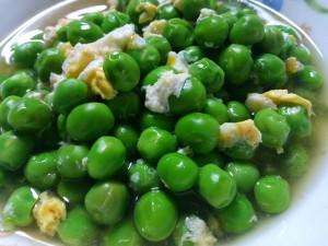 エンドウ豆(久留米豊)の卵とじ