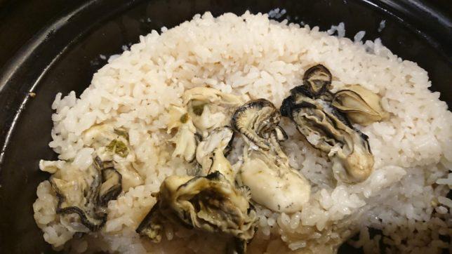 お釜で牡蠣ご飯