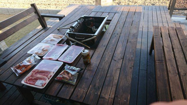 天気のいい日にバーベキューテーブル初使用